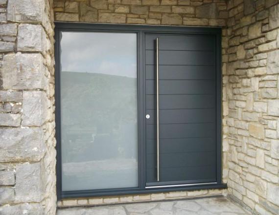 Bejárati ajtó - alumínium - fa - műanyag