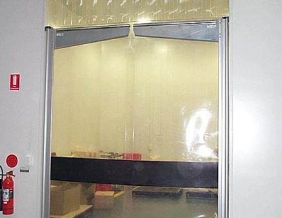 WINDOR lengőajtó PVC lappal
